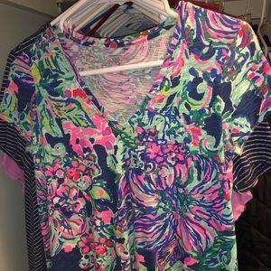 Lily Pulitzer V neck t-shirt